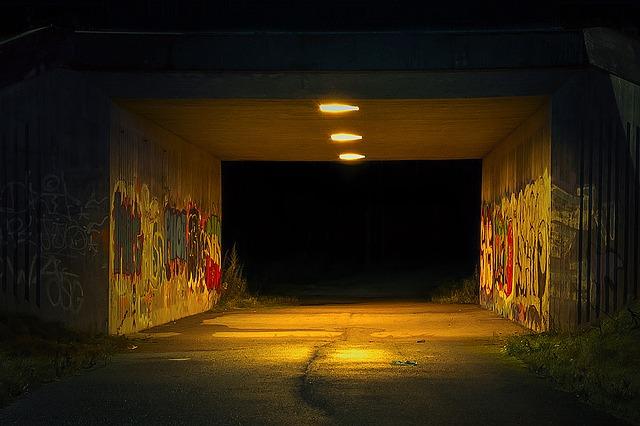 подземный переход, фото - pixabay