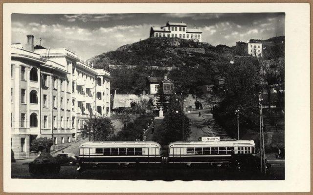 """Таким был Пушкинский сквер. Фотография с сайта """"Старый Владивосток"""""""