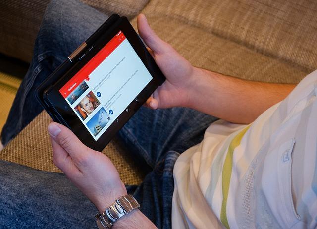 В ДВФУ для онлайн-обучения задействовали Zoom, YouTube и Twitch