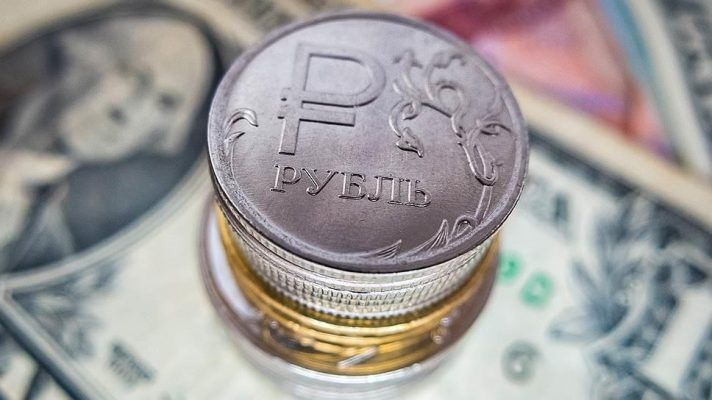 Выяснилось, кому во Владивостоке предлагают зарплату от 100 тысяч рублей