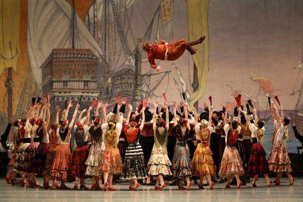"""Сцена из балета """"Дон Кихот"""". Фотография пресс-службы Мариинского театра"""