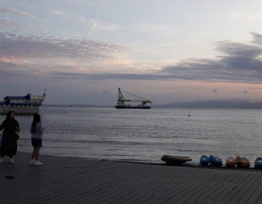 Набережная Владивостока, катамараны, море