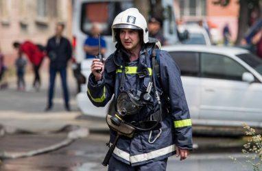 «Купите себе домой огнетушитель»: очевидцы рассказали о пожаре в 12-этажном доме во Владивостоке