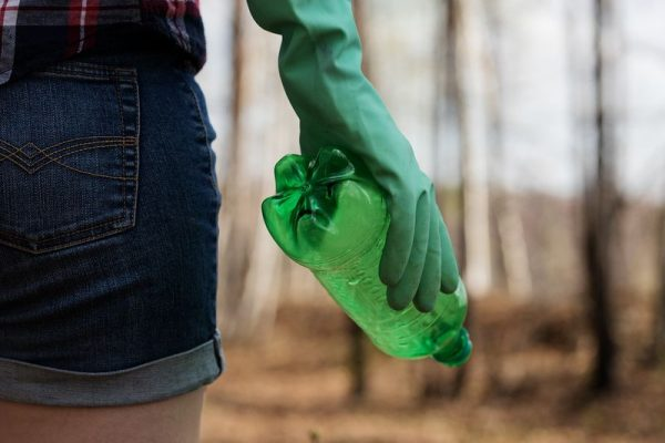 Мусор, пластиковая бутылка