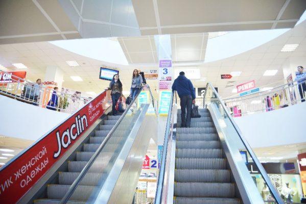 """Торговый центр """"Максим"""", эскалатор"""