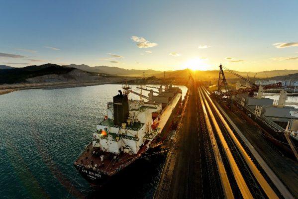 Порт Находка, грузовое судно, уголь