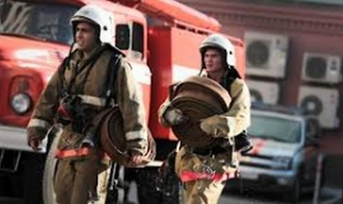 Пожарные, пожар, огнеборцы. Фото - пресс-служба Главного управления МЧС по Приморью