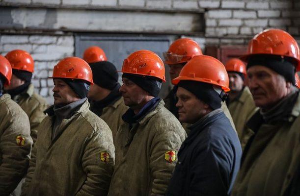 Рабочие, Восточная верфь, судостроение