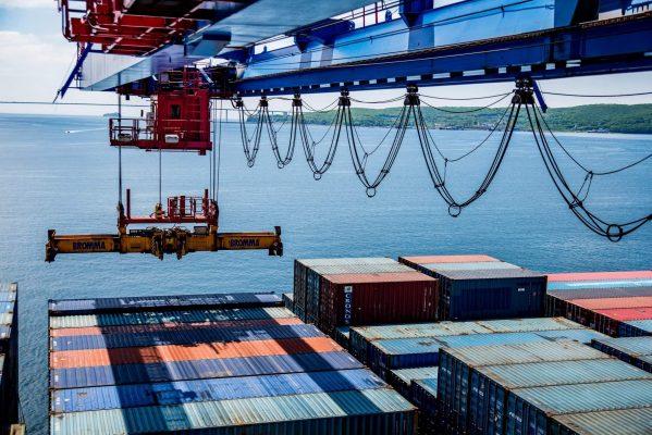 ВМТП, порт Владивосток, контейнеры, море, морские перевозки
