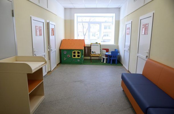 Детская поликлиника в Надеждинском районе. Фото - Александр Сафронов (правительство Приморского края)