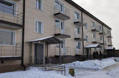 Первые в 2020 году квартиры получили дети-сироты в Приморье