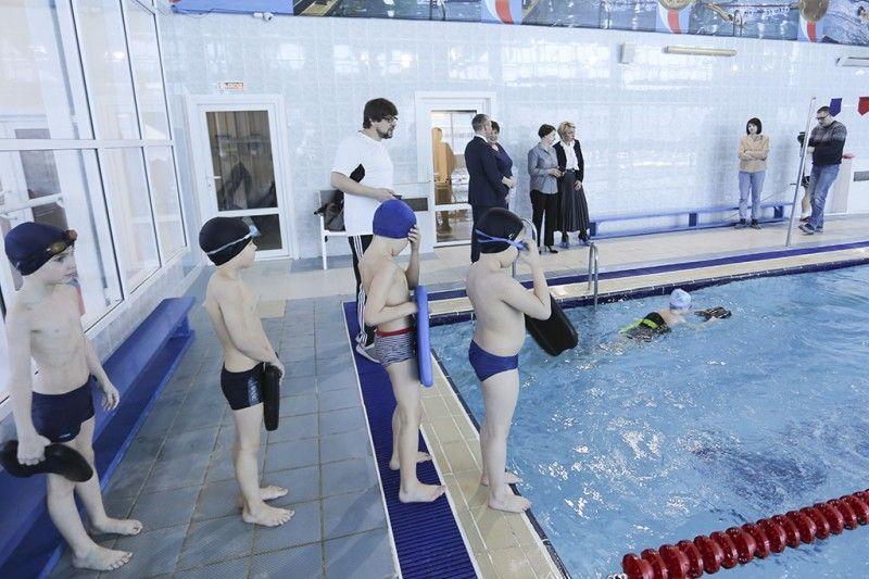Школьники плавают, плавание, «Плавание для всех»,  фото - пресс-служба администрации Находкинского городского округа