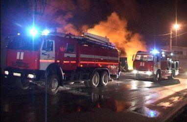 Огнеборцы спасли трёх женщин в Приморье на пожаре