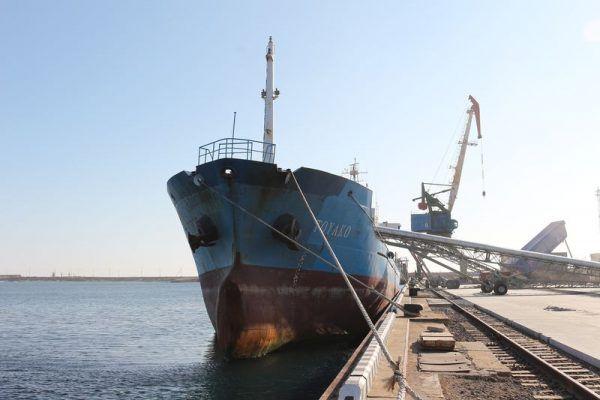 Судно, причал, порт Зарубино