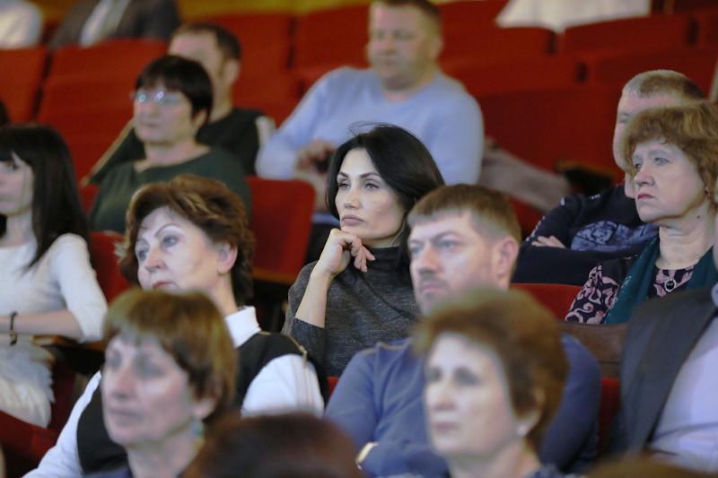 Люди, мужчины, женщины, публика, зритель