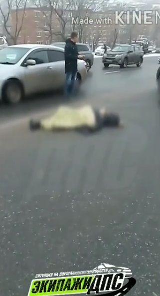 Выкинули девушку из машины