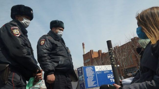 Полиция, коронавирус, маска