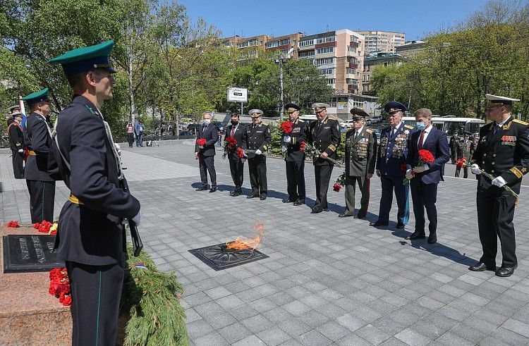 В Приморье почтили память пограничников. Фото - Игорь Новиков (правительство Приморского края)