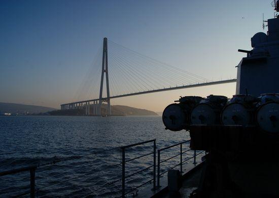Русский мост, корабль, ТОФ