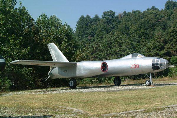 Самолет Ил-28