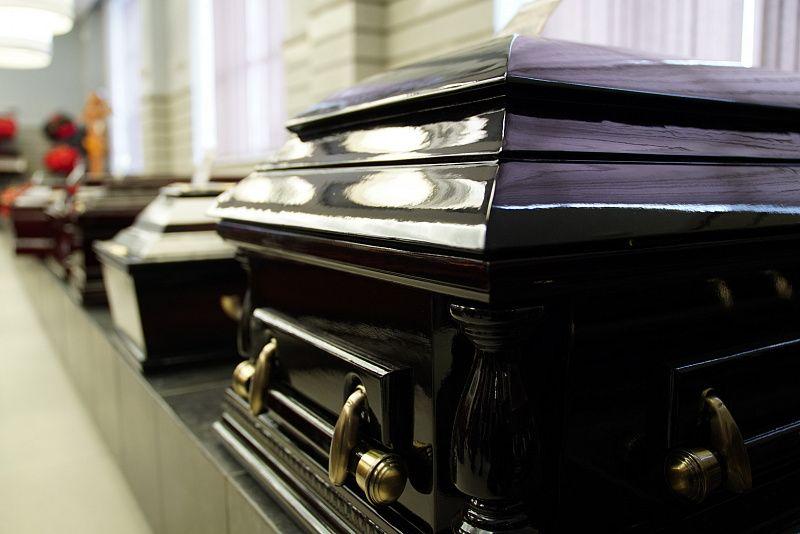 Гробы, кладбище
