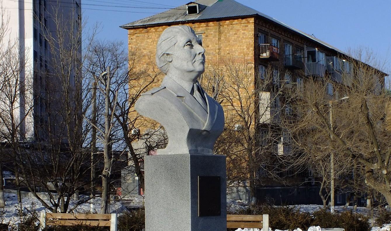Памятник Щетининой