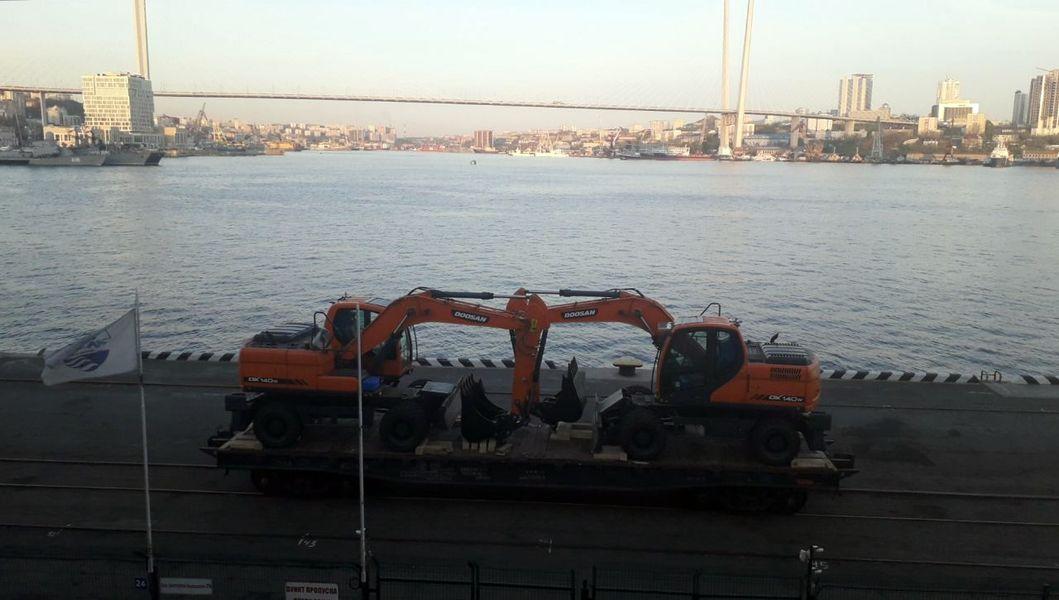 Золотой Рог, порт Владивосток