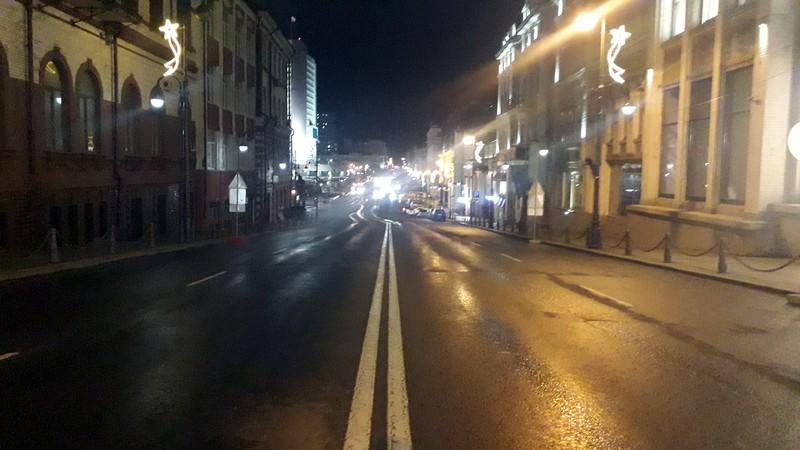Улица Светланская вечером, дождь